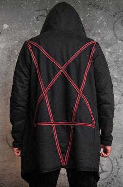 Bluza z ogromnym kapturem i pentagramem na plecach #amenomen , #rockmetalshop, #goth, #gothguy, #nugoth, #alternativefashion , #unisex