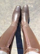How to break in a new pair of horse riding boots or paddock boots!   http://www.proequinegrooms.com/index.php/tips/equipment-and-tack/tips-for-breaking-in-a-new-pair-of-riding-or-paddock-boots/