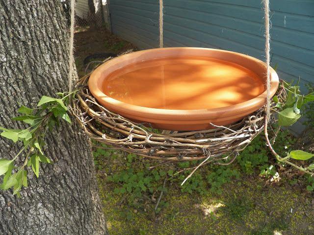 Easy Grapevine Wreath Birdbath