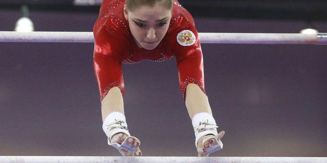 Le Comité international olympique doit décider dimanche si la suspension infligée à la fédération d'athlétisme russe pour dopage doit être étendue à toutes les disciplines.