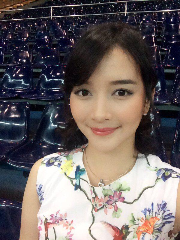 Devi Kinal Putri (@kinalJKT48) | Twitter