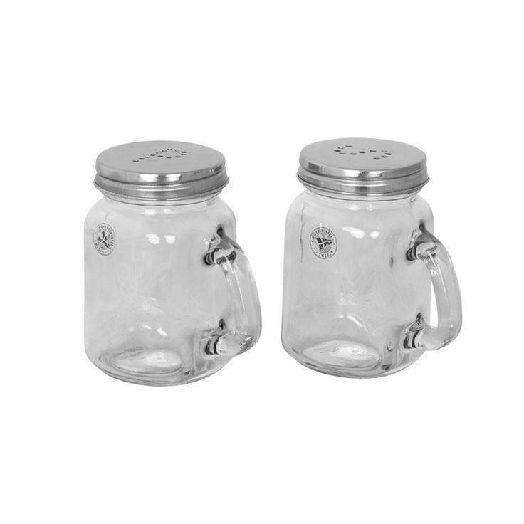 Salt- och pepparkar i glas.
