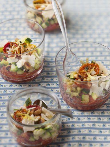 poivre, thym, courgette, pignon, tomate, tomate séchée, vinaigre balsamique, huile d'olive, parmesan, sel, basilic