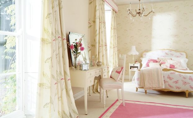 If you want to create a calming effect in your bedroom then try this look. Pale yellow with a gentle pattern and pastel pink accessories. All soft furnishings from the Aboreta collection from Harlequin.