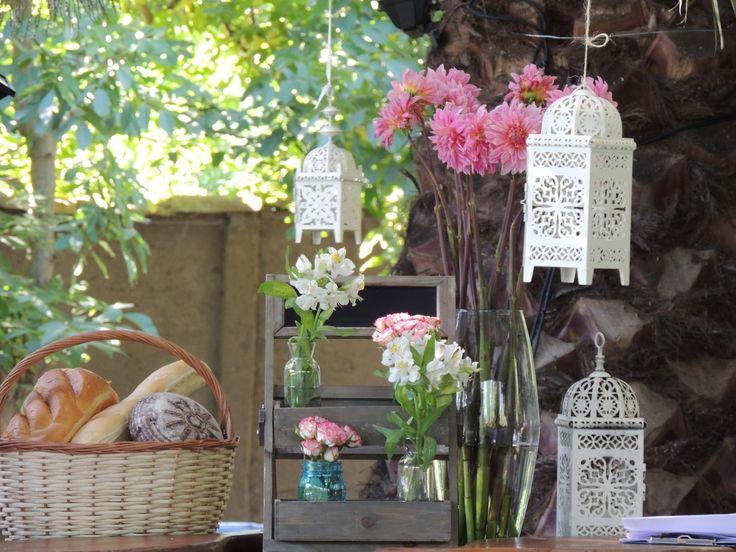 Bueffet, wedding, flowers, dalias, decoration