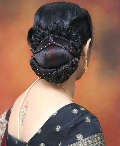 10 Beautiful South Indian Hairstyles For Girls