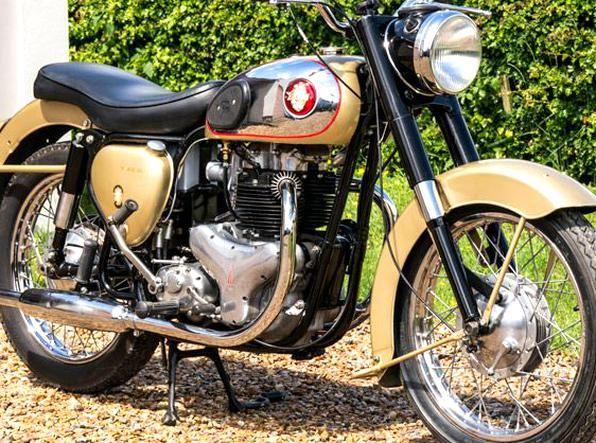 Bsa A10 Gold Flash 1959 Bsa Motorcycle Old Bikes Vintage Bikes