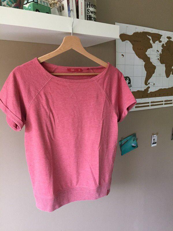 T-shirt pull épais | edc. de marque EDC. Taille 34 / 6 / XS à 10.00 € : http://www.vinted.fr/mode-femmes/autres-pull-overs-and-sweat-shirts/59392326-t-shirt-pull-epais-edc.