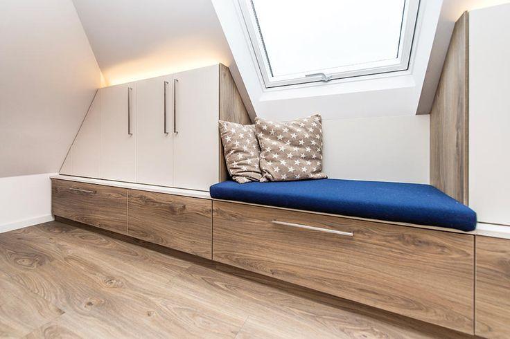 Gemütliche Sitzecke unterm Dachfenster Wohnen, Sitzecke