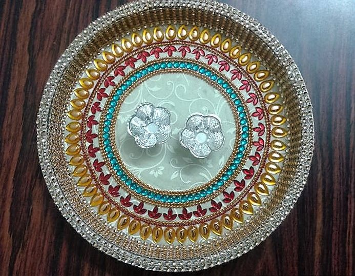 17 best images about pooja ki thali and aarti ki thali on for Home made rangoli designs