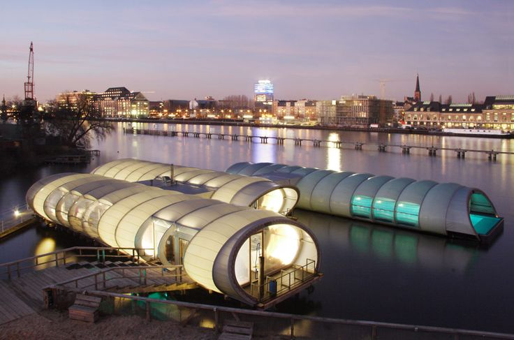 The Badeschiff Kirstin Gernath visits Berlin's swimming pool in the Spree…