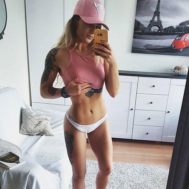 #motivation :) @siwa_oliwia @trecwear @trecnutrition  #workout #trening #trecgirl #training #befit #sport #gymwear #active #sportswear #leginsy #legginsy #leggings #stylizacja #stylisation #fitness #beachbbody #bikini #getfit #polishgirl #motivation #selfie #beauty #instafit #fit #abs #brzuch #6pack #fasgion #babygotback