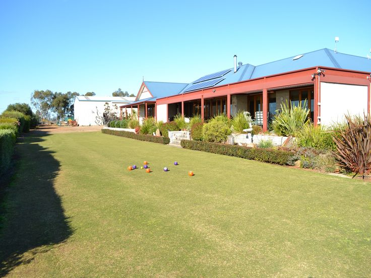 How much fun would it be to have your very own lawn bowls area?! 2 Queen Louisa Drive for sale with David Clarke 0414 611 273 #murraybridge #southaustralia Professionals Real Estate Agency Murray Bridge www.murraybridgeprofessionals.com.au
