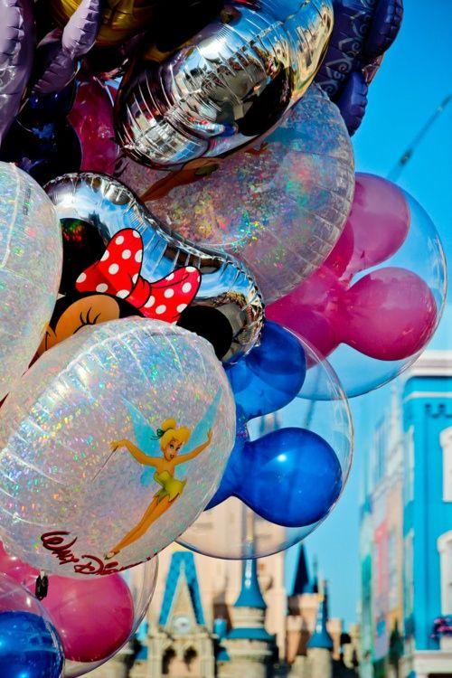 disney balloons cinderellas castle magic kingdom walt disney world