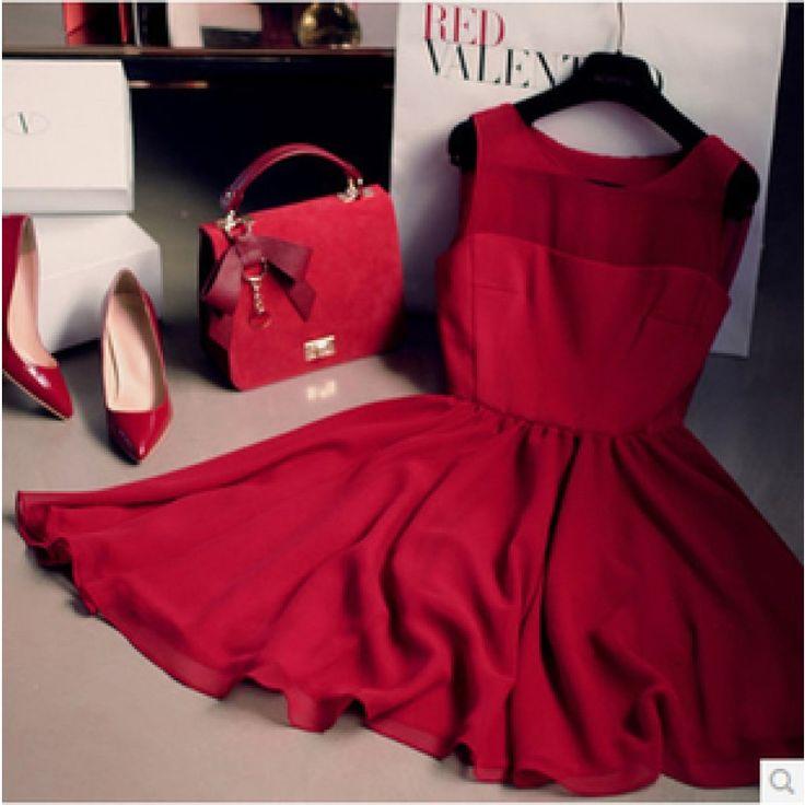 amazing dress, I love the colour