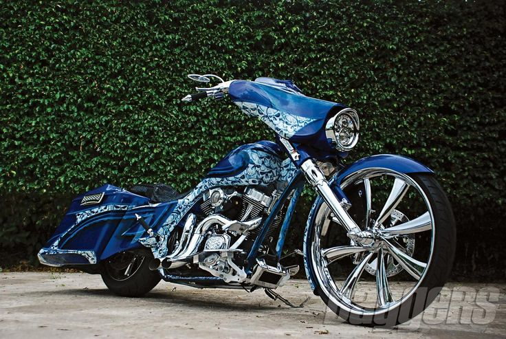 10 H-D Street Glide Customs from Mild to Wild | Baggers