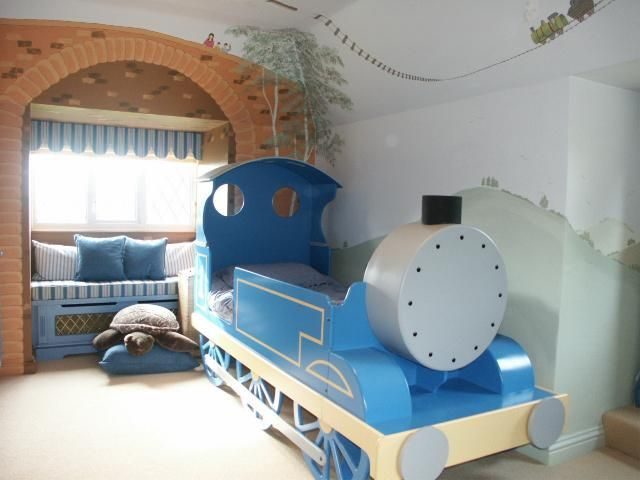 train bedroom for boy - Bing ImageI   I love the window treatment!! I want to recreate this!!