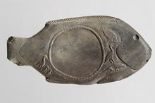Fischförmige Schminkpalette