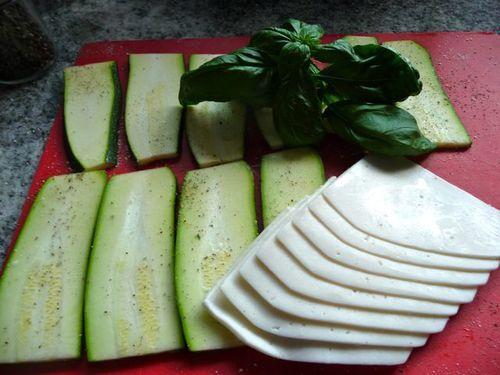 Zucchinischnitzel mit Käsefüllung