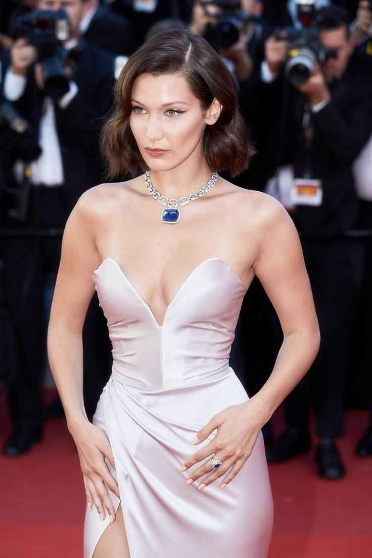 Blue and pink? It works on model-of-the-moment Bella Hadid, who accessorised her nude nude pink Dior gown with an 180.98 carat sugarloaf cabochon sapphire necklace from Bulgari's high jewellery collection. For glamour celebrity fashion Cannes Film Festival red carpet jewellery spotting travel here: http://www.thejewelleryeditor.com/jewellery/top-5/cannes-film-festival-red-carpet-jewellery-day-one/ #jewelry