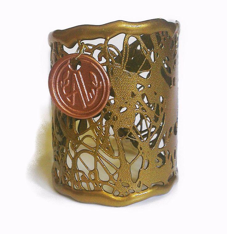 Brazalete Modelo SKY Polimero Termofundido. Color Dorado Antique. Hecho a mano. Disponible también en color plata y cobre.#bracelet #cuff