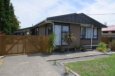 5 Ward St $142k 4 Bedder & Garage