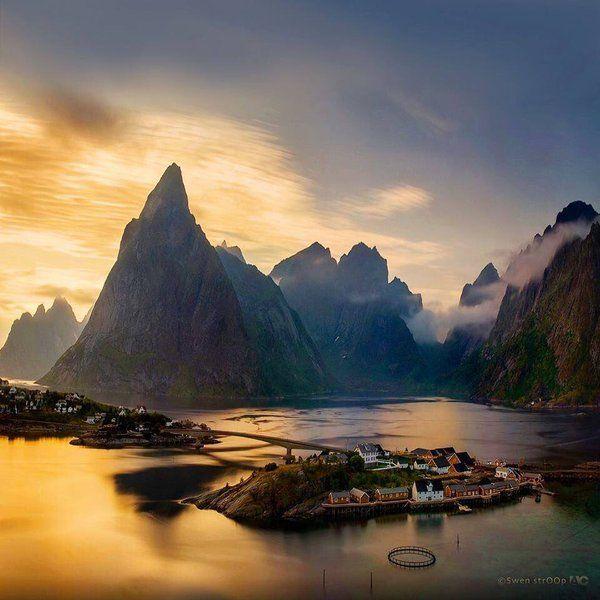 Reine, Lofoten, Norway   Photography by ©Swen Stroop