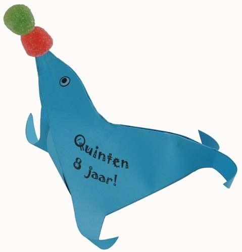 Zeehonden traktatie, lekker met cake of andere inhoud. Een leuke dierentuintraktatie. Met snoepjes of waterbalon
