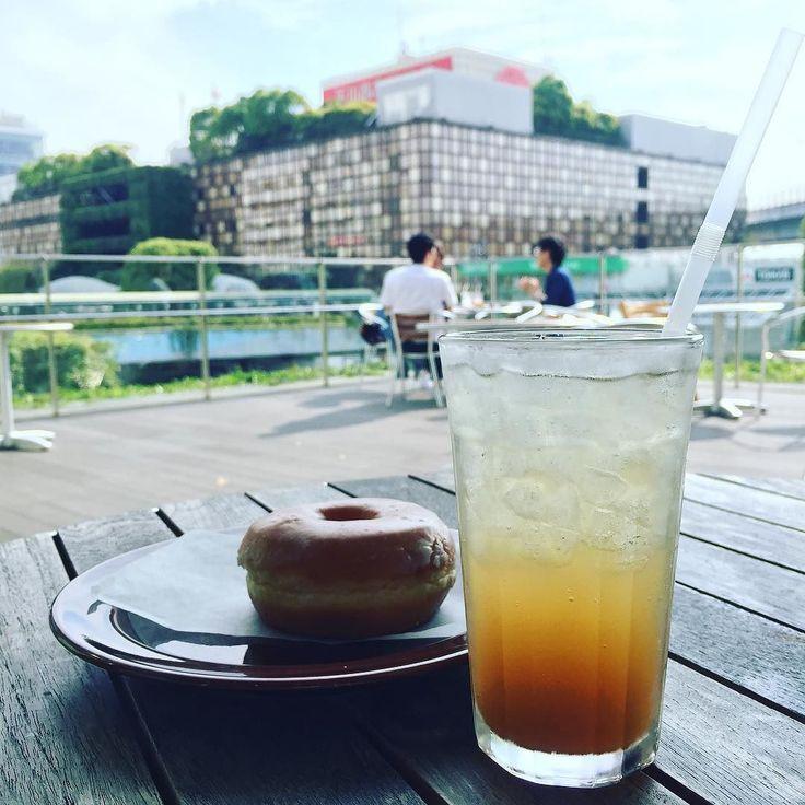 #二子玉川 の#無印 にあるオープンテラスにて まるごと#ジンジャーエール ピリリと辛口でさわやかです  本当は横浜美術大学のオープンキャンパス行ってみるつもりだったんだけどなぁ  #夫婦デート #カフェ部