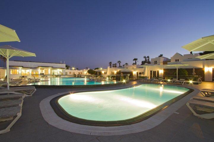 Pool iin  the night time