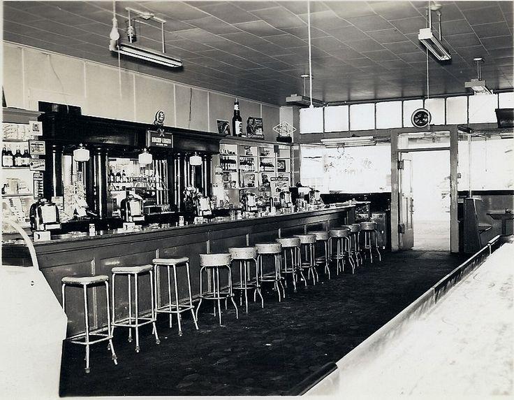 Silver Moon Tavern interior - Reedsport, Oregon, 1940's ...