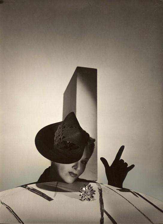 "Lisa Fonssagrives in ""Lisa, I Love You"".  Photo by Horst P. Horst.  Vogue, 1937."