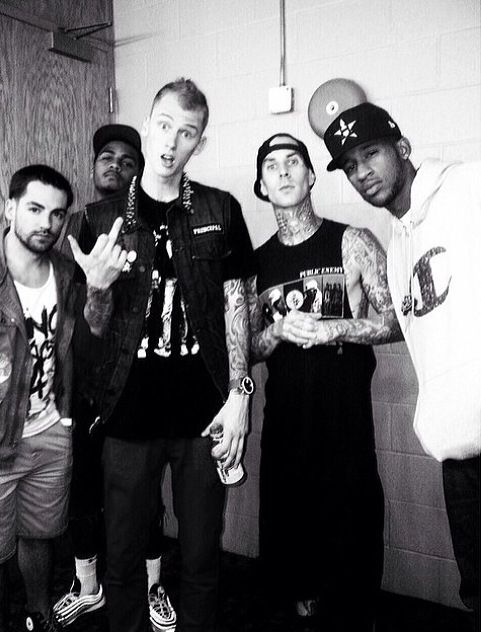 Throw back. EV, dre, kells, Travis barker & slim !