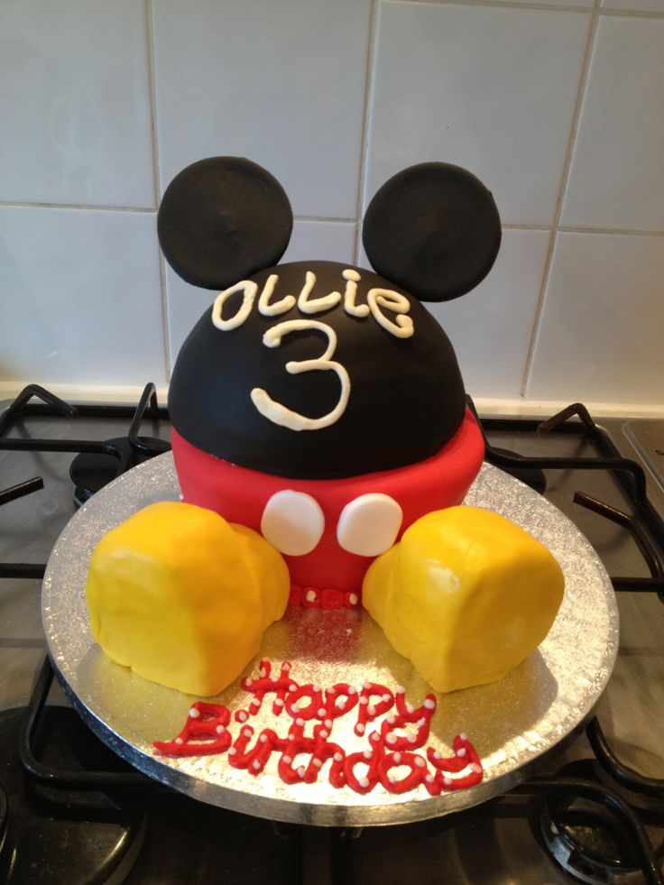 Mickey Mouse Themed Cupcake