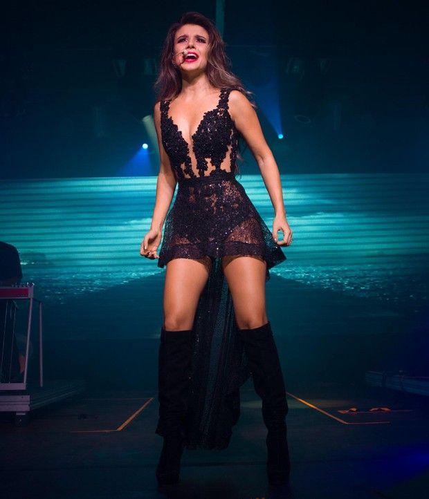 RetaFinal.blogspost.com: Paula Fernandes usa modelito curto e transparente ...