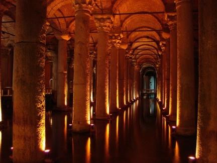 Sulle Strade del Mondo: #Istanbul, la Cisterna della Basilica