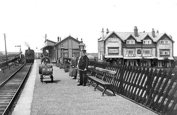 http://www.disused-stations.org.uk/r/ravenscar/ravenscar(before7.1908alsop)old3.jpg