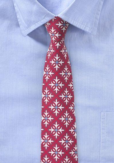Rote Krawatte mit Karo-Ornament-Dekor