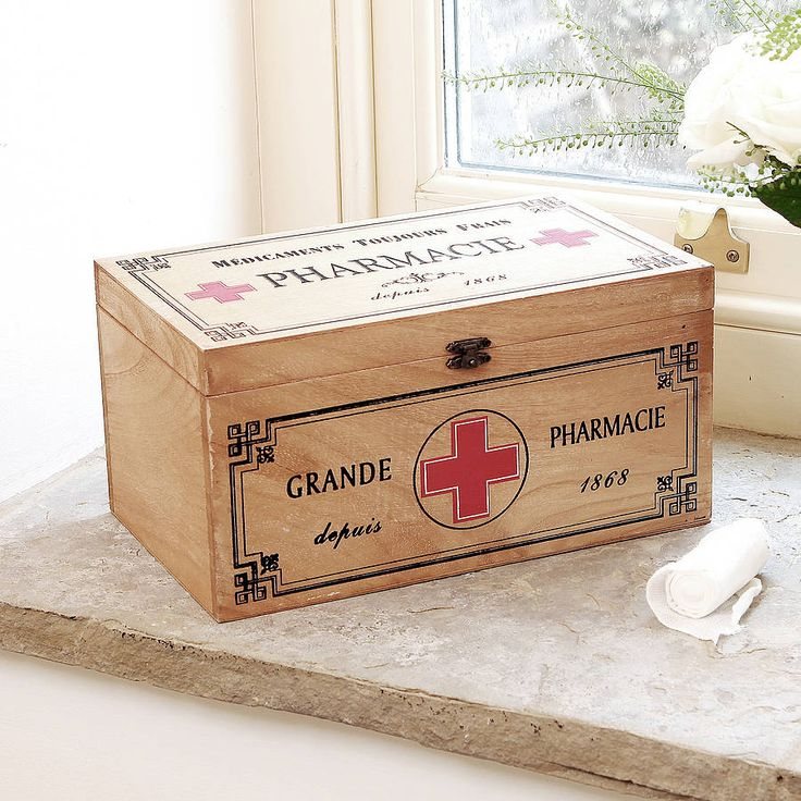 French Pharmacie BoxA French style pharmacy storage box with clasp perfect for keeping plasters, bandages and other first aid essentials within easy reach. In a rustic style designed to compliment most bathroom decor. An unusual gift idea for someone that has everything! Free Gift Wrap and Gift Messaging Service available upon request.W30 x D18 x H15cmW30 x D18 x H15cm