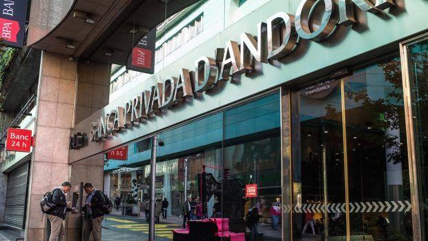 Un ministro de Andorra y su padre vendieron 140.000  en acciones al saber que se intervendría BPA