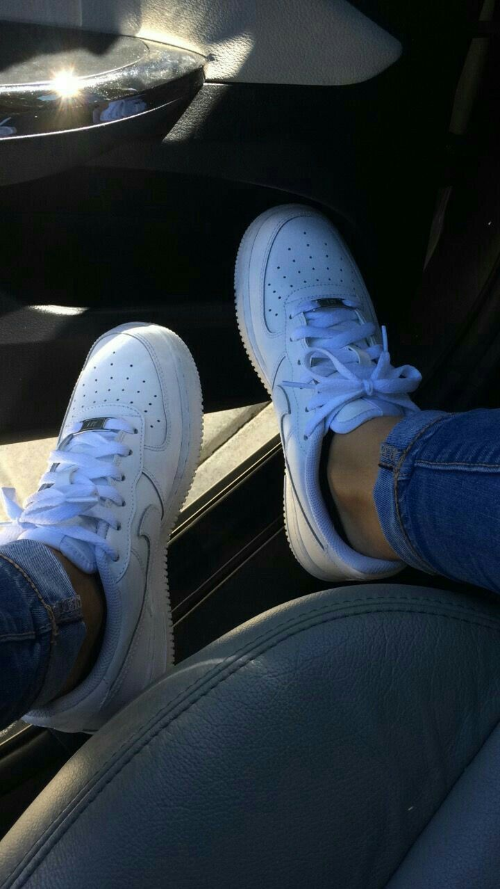 White nike shoes, Sneakers fashion