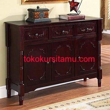 Meja Konsul 3 Laci G-8SMA terbuat dari kayu jati solid serta memiliki tampilan indah menjadikan living room anda lebih cantik dan fresh.