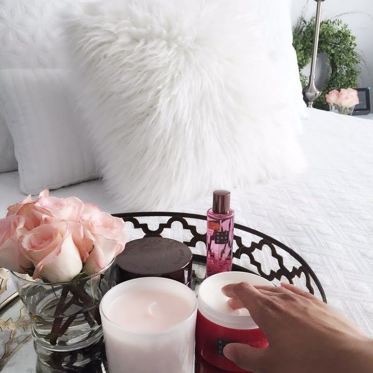 Preen.Me VIP Laura R nurtures her skin with her gifted Rituals Honey Touch Body Cream. Click through to discover this #MyRituals pampering must-have.