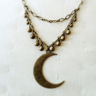 Luna Necklace/Soulfari 2014 Crescent moon necklace great for long layers.