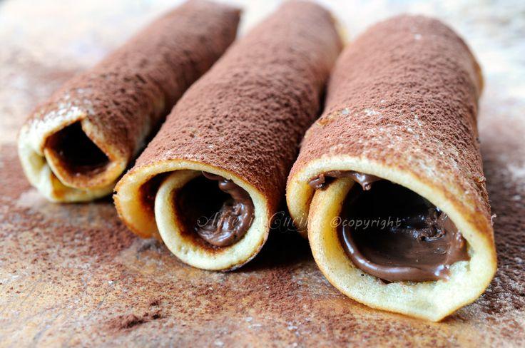 Cannoli di pancake alla nutella ricetta veloce