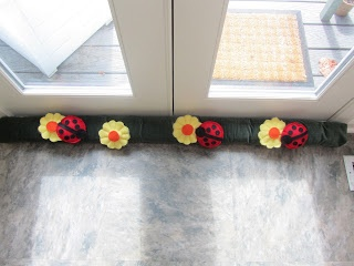 Great Site - gives 3 different versions of door-draft pillows that are quick and & 64 best door Stoppers and door drafts images on Pinterest Pezcame.Com