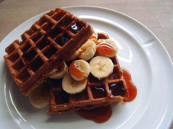 Disse sprøde og luftige belgiske vafler kan både serveres som morgenmad eller brunch, men fungerer også fint som dessert sammen med lidt vaniljeis.