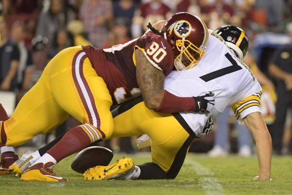 The Washington Redskins bolstered their offensive and defensive lines Wednesday, re-signing defensive lineman Ziggy Hood and offensive…