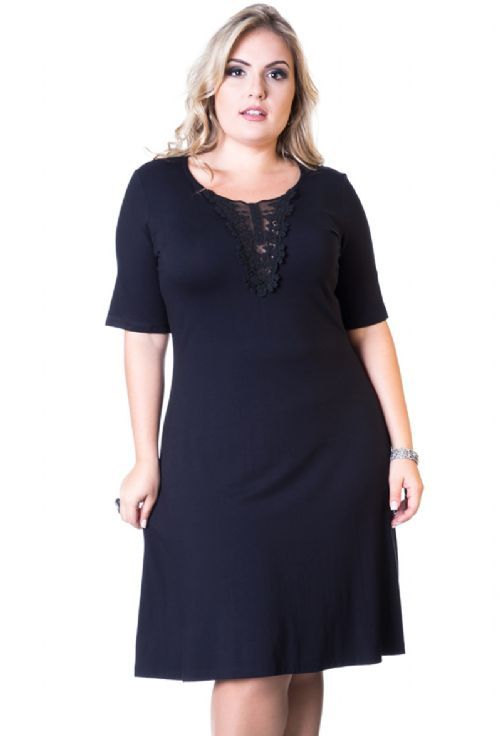 e777cf8cfc Vestido Com Guipir Decote Plus Size  modelo levemente evasê em viscolycra  preto decote arredondado com