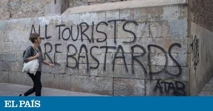 El diario británico  The Independent  ha elaborado una lista de ciudades y destinos donde los turistas empiezan a no ser bien recibidos. Barcelona está entre ellos.